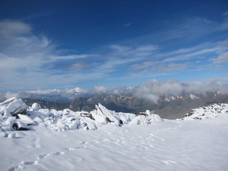 Die Wanderer müssen auf dem E5 auch mit Schnee rechnen.