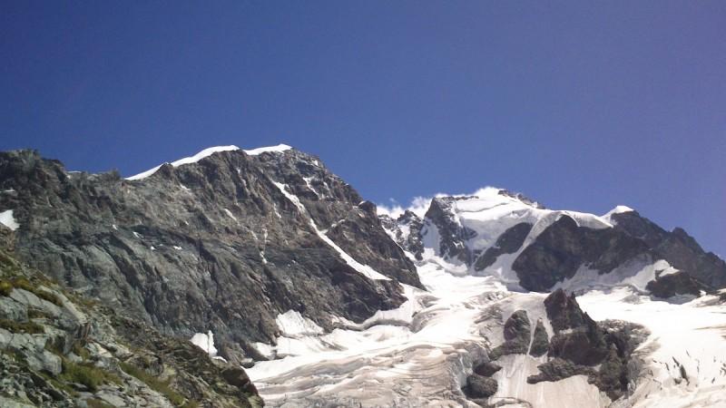 Die Seilschaft auf ihrer Tour quer durch die Bernina.